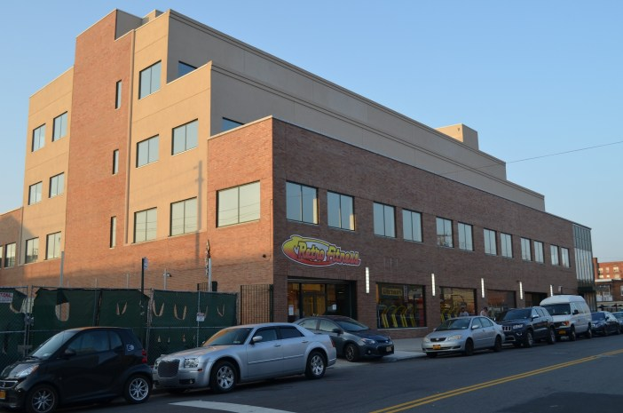 YDE School is planning to move one of their location into a new building at 325 Avenue Y. (Photo: Alex Ellefson / Sheepshead Bites)